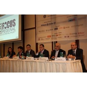 regional. specialisti de marca din domeniul financiar-bancar au venit cu informatii utile