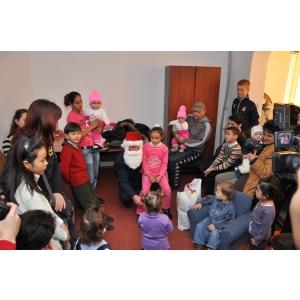 media consulta. Media Consulta International a adus Crăciunul în sufletele a 23 de copii