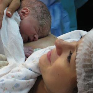 Această procedură la naștere poate salva mii de vieți de copii în fiecare an, în România.