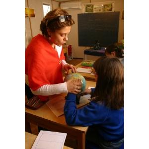 Ziua Internationala a Profesorilor. De Ziua Internationala a Profesorilor, UNICEF le multumeste si se angajeaza sa ii sustina!