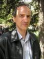 Adrian Georgescu îşi lansează cartea 'eu sunt şi vreau!' la Tîrgu-Mureş
