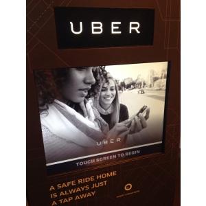 Aparatul ingenious care masoara nivelul de alcool pentru a oferi curse gratuite spre casa cu Uber