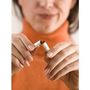 renuntat la fumat. Tigarile electronice - mai bune decat plasturii, guma sau tabletele pentru renuntat la fumat
