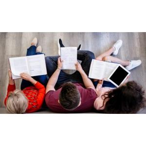 Competenţele digitale sunt obligatorii la şcoală