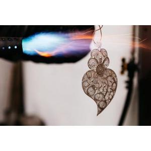 Teratai: un brand românesc de bijuterii ce aduce acasă piese lucrate manual în comunități din întreaga lume