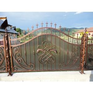 porti si garduri din inox. Pentru porti si garduri din fier forjat, Metcry este compania la care trebuie sa apelezi!