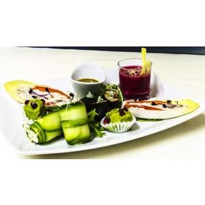 barca. Pentru un stil de viata sanatos comanda mancare vegana preparata in cadrul restaurantului Barca