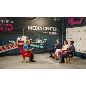 softone. Softone Romania la IMW 2018