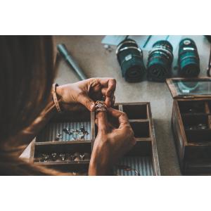 Alegerea unei cutii de bijuterii – 5 sfaturi esențiale
