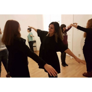 Cum poți să te dezvolți continuu și armonios prin actorie? Află de la actrița Smaranda Caragea!