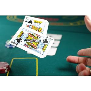 De ce prefera romanii jocul de poker online?