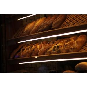 De ce rafturile pentru pâine atrag mai mulți clienți?
