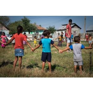 """Copiii fără posibilități visează la un sezon de joacă """"all inclusive"""" - Terre des hommes oferă micro-granturi pentru a le împlini visul"""