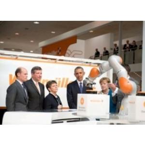 CeBIT Hanovra. Cancelarul Angela Merkel si presedintele SUA Barack Obama au vizitat standul Weidmüller la Hanovra