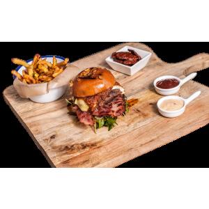 ialoc și Switch.eat lansează primul burger al unei companii tech din România