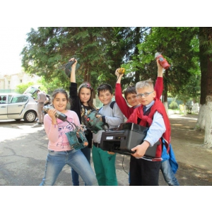 Școlile din România reciclează