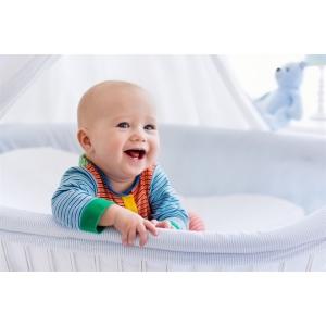 Alege un patut de lemn pentru buna dezvoltare a copiilor – Odihna bebelusului este mai presus de orice