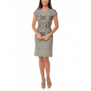 In 2018 experimenteaza cu Larysa.ro numeroase modele de rochii office fabricate cu drag in Romania