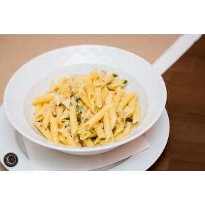 retete mediteraneene la gratar. Mezzaluna di Laura – Un restaurant cu retete italiene desprinse din  inspiratia bucatelor mediteraneene