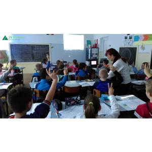 """Businessul din Romania sustine educatia. Un sfert de milion de tineri romani au beneficiat gratuit de programe educationale """"learning by doing"""""""