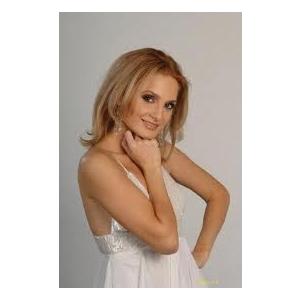 Ana Mardare un nou album pop si un nou look marca Sonia Trifan