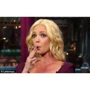 e-tigari. Katherine Heigl