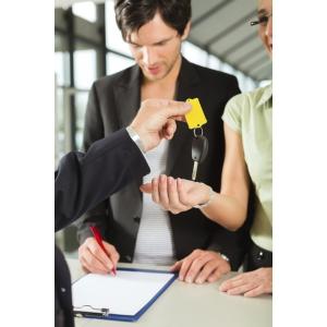 Cereri și oferte, cazuri și necazuri în afacerile rent a car