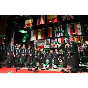 consilier școlar. Şcoala Americană Internaţională din Bucureşti anunță noul program de burse pentru anul școlar 2015-2016