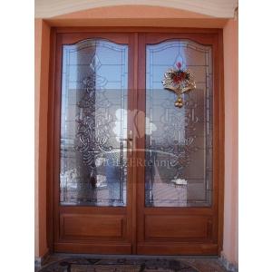 ferestre de lemn. Vrei sa achizitionezi o usa din lemn stratificat de la  Holzertehnic? Iata ce trebuie sa iei in calcul