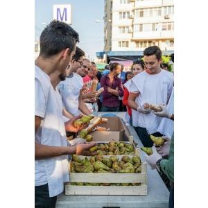 200 de oameni nevoiasi din capitala vor beneficia de o masa calda si de pachete cu ajutoare