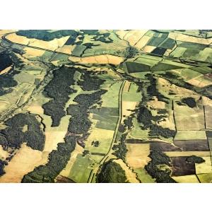 fertilizator. Parcele de teren vazute din spatiu