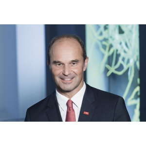 BASF va dezvolta împreună cu Hewlett Packard Enterprise un supercomputer destinat coordonării cercetării în chimie la nivel mondial