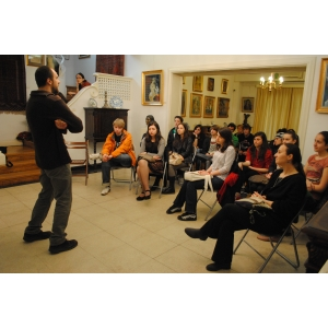 """Burse pentru tineri: Cursuri umaniste gratuite la """"Fundatia Calea Victoriei"""""""