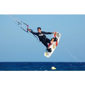 Idei inedite de vacanță! Vacanță la kite surf, la shopping sau un sejur exotic în Malaezia? Ce ai alege?