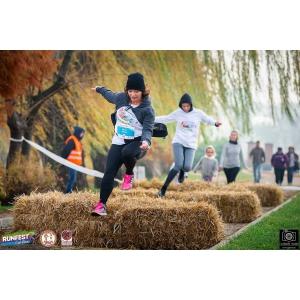 Alergați și bucurați-vă din plin de jocurile copilăriei la Fuga pe uliță!
