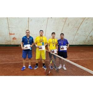 Pasiune la cote maxime în simultanul de turnee România Joacă Tenis la Dublu