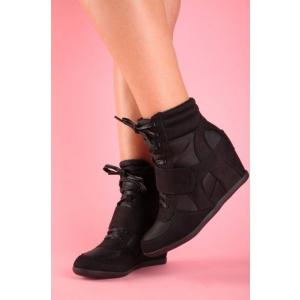 Cum purtam sneakersii de dama