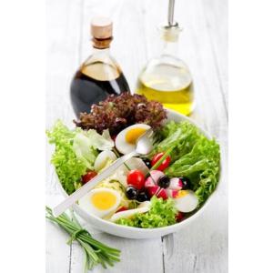 studii sala. In sezonul cald, salata este preparatul consumat de foarte multa lume