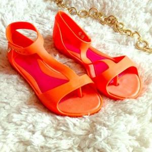 cadouwww zibra ro. Modele inedite de sandale din silicon acum pe Zibra.ro!