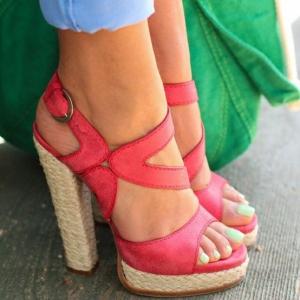 Timpuri Noi. Noile modele de sandale pe care le gasiti pe Zibra.ro!