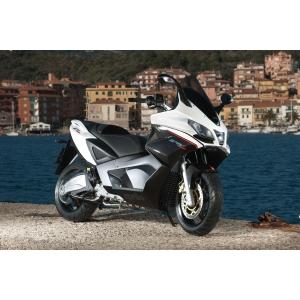 De la 0 la 100 Km/h in mai putin de 6 sec cu scuterul - Aprilia SRV850 ABS/ATC