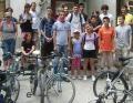 pana de paun. Biserica Toma Cozma din Iasi organizeaza Pelerinaj cu bicicleta pana la Crucea Trinitas de pe Dealul Paun