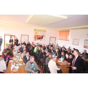 insamantari artificiale. Adunarea Generală a Operatorilor de Însămânţări Artificiale la Mureş
