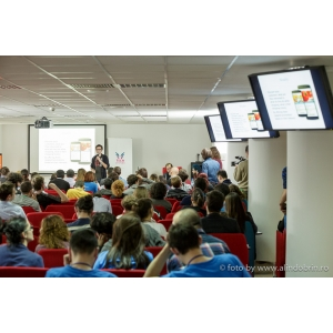 Echipele Innovation Labs 2.0 isi prezinta progresul la Boost Day