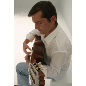 rey. Concertele lui José María Gallardo del Rey la Bucureşti, un omagiu adus muzicii spaniole
