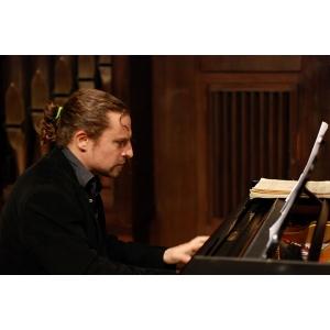 Muzică spaniolă în recital extraordinar José Luis Nieto.