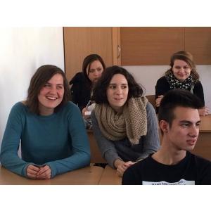 hurmuzescu. Educatia non-formala vine la liceu prin voluntari europeni