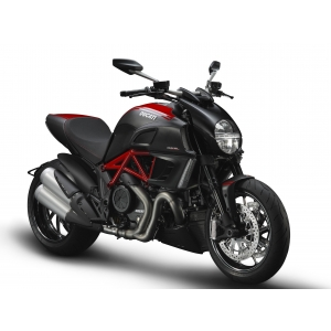 Hypermotard. Metrotehnica Internaţional a vândut primul Ducati Diavel în România