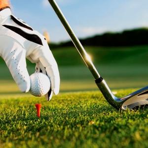 Vacanțe tailor-made în destinații exotice exclusiviste pentru iubitorii de golf: idei de la experți
