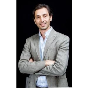 Ionut Gliga. Ionuţ Gheorghe este noul director de marketing  al mărcilor Dacia şi Renault în România